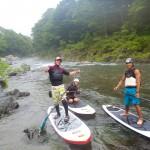 水面に立って川を下る!?多摩川ではリバーSUPができるらしい。