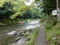 御嶽駅を起点とする御岳渓谷遊歩道で、川岸散歩と森林浴を同時に楽しむ。